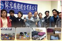 104年外籍勞工活動專區  104.01.28 敬達--捐贈衣服、食物
